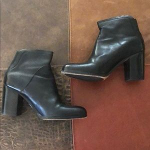 M. Gemi pull on leather heeled ankle boot